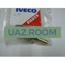 Датчик  температуры** дв.IVECO  УАЗ Патриот (в корпус термостата) BOSCH 0 281 002 209 (M12x1,5)