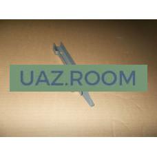 Стойка  опускного стекла  УАЗ 452 левая задняя