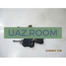 Вставка  двери с ключом ГАЗ 3302 ГАЗель нов. обр. с ключами (КОМПЛЕКТ 2 ШТУКИ)