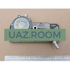 Крышка  двигателя УМЗ 4216 ЕВРО-3 ГАЗель боковая (регулятор разрежения в картере) (ГАЗ)