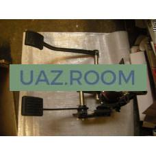 Кронштейн  привода выключения сцепления  УАЗ 452 (карбюратор) в сборе С ПЕДАЛЯМИ (блок педалей)