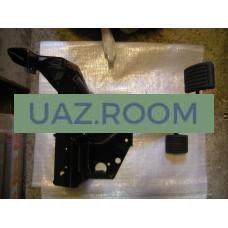 Кронштейн  привода выключения сцепления  УАЗ 469, Хантер в сборе С ПЕДАЛЯМИ (блок педалей)