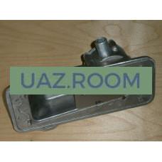 Крышка  двигателя УМЗ 417, 4218 УАЗ, 4215 ГАЗель боковая (регулятор разрежения в картере) с сапуном