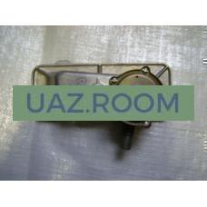 Крышка  двигателя УМЗ боковая (регулятор разрежения) с сапуном