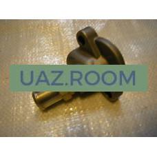 Патрубок  дросселя отводящий дв.40904 УАЗ, 40524,40525 ГАЗ (Евро-3) со штуцером ЗМЗ