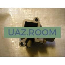 Корпус  термостата  дв.40904 УАЗ (Евро-3) в сборе с термостатом (ЗМЗ)